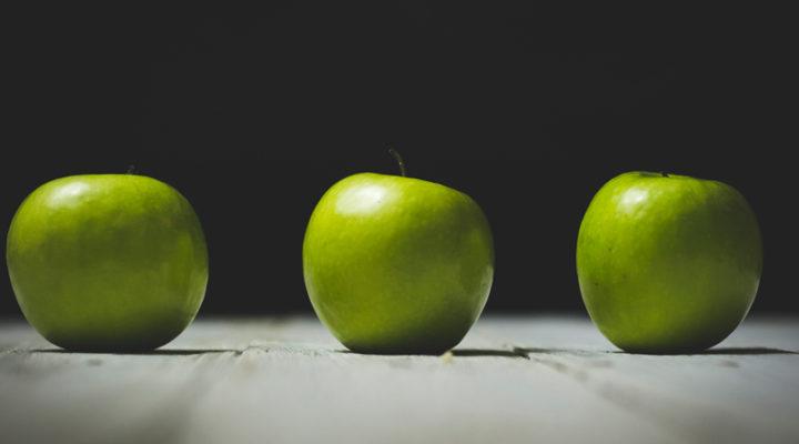 3 apples